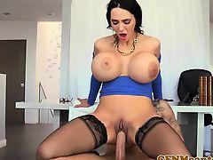 Cfnm curvy femdom Amy Anderssens facial