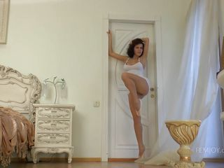 hot ballerina gets unclothed