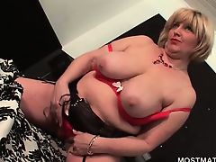 Sexy mature flashing her smooth on top twat and front bumpers