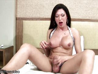 giant tranny dick gets even bigger inside a pump toy and cums