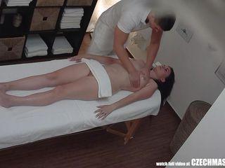 masseur fucks a horny babe