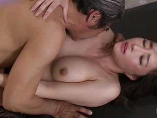 japanese milf keen to it deep