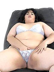 Amateur large pantyhose lady
